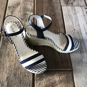 Kelly & Katie navy blue white sandals wedges 8.5